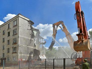 В Астраханской области введен новый порядок реконструкции и сноса МКД