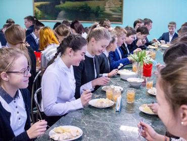 В Астраханской области расширен перечень гарантий сиротам
