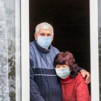 В Астраханской области продлены больничные для лиц 65+